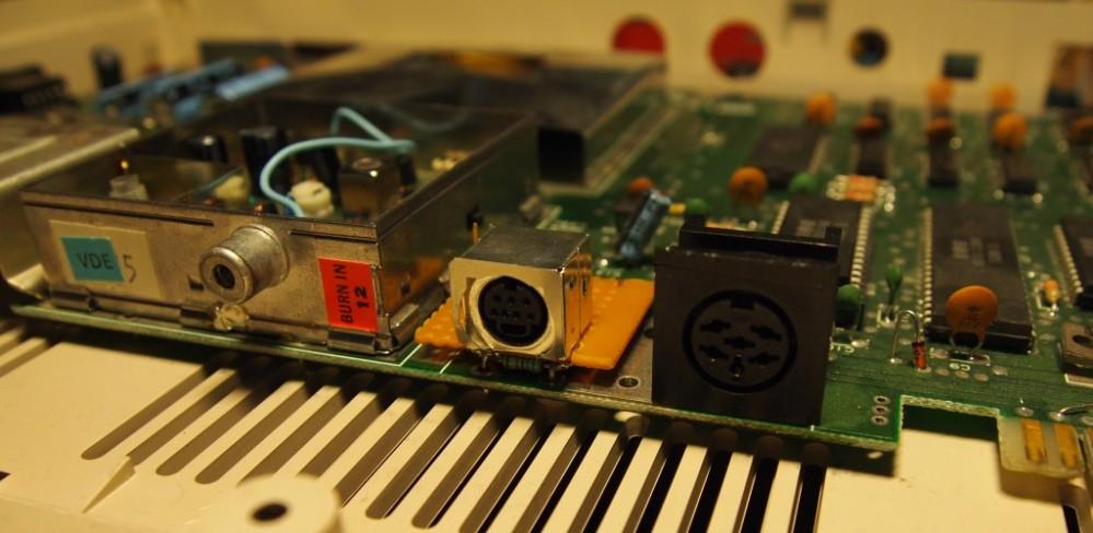 C64 S-video mod (4/5)