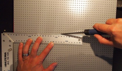 Cutting a groove
