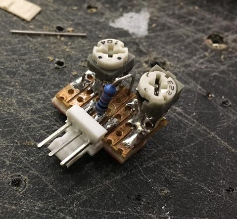 CV range daughterboard. Nice solder mess (= faulty)!